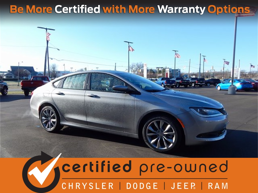 Certified Pre Owned 2016 Chrysler 200 S 4d Sedan In